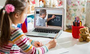 La percepción de los padres de la educación digital mejora tras la ...